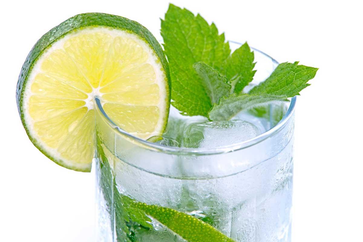 How to Prepare Lemon Water